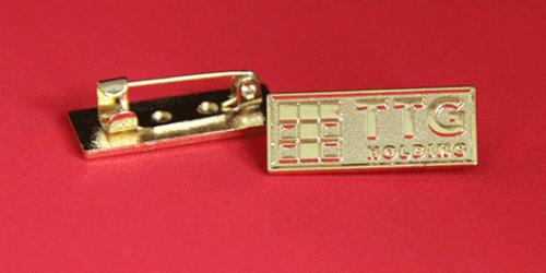 Xưởng nhận đặt làm huy hiệu logo cài áo ăn mòn kim loại ở tp hcm 1