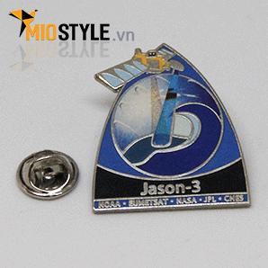 Xưởng nhận đặt làm huy hiệu logo cài áo ăn mòn kim loại ở tp hcm 11