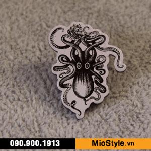 Cơ sở sản xuất huy hiệu ghim cài áo vest đặt làm theo yêu cầu tphcm - huy hiệu in hình con mực squid