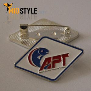 Cơ sở sản xuất huy hiệu ghim cài áo vest đặt làm theo yêu cầu tphcm - huy hiệu APT con cá
