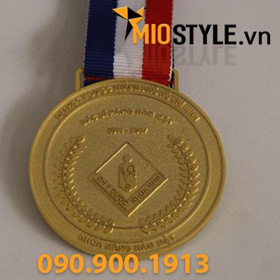 9 mẫu huy chương vàng đồng thể thao đặt làm kỷ niệm sản xuất tphcm trường đại học y dược lễ tốt nghiệp bác sĩ răng hàm mặt