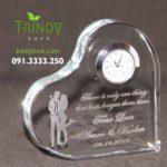 khối pha lê 3d lập phương in hình làm đồng hồ để bàn tphcm