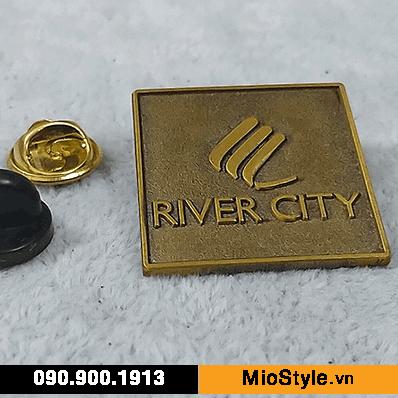 Cơ sở làm Huy Hiệu Kim Loại, Pin Cài Áo, sản xuất logo công ty tp.hcm - bất động sản river city