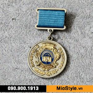 sản xuất kỷ niệm chương, đặt làm huy chương vàng bạc đồng theo yêu cầu, khen thưởng trường học