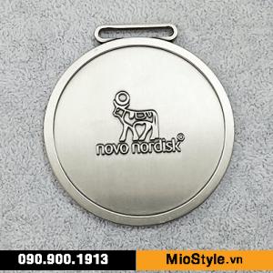 đặt làm huy chương kim loại, kỷ niệm chương công ty, làm huy chương thể thao theo yêu cầu - cty Novo Disk