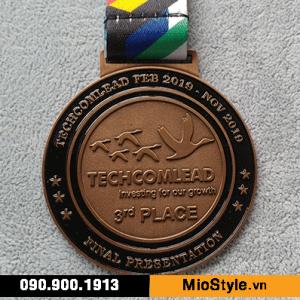 xưởng sản xuất kỷ niệm chương tphcm nơi đặt làm kỷ niệm chương tphcm, huy chương techcombank techcomlead