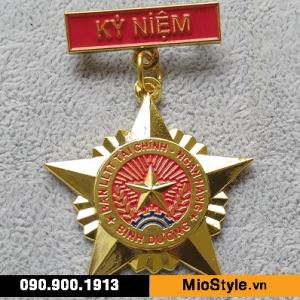 các mẫu kỷ niệm chương, huy chương bạc, làm huy chương theo yêu cầu tp.hcm